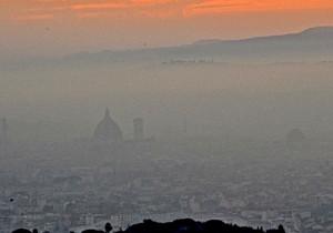 Firenze nella nebbia, possibile scenario del meteo a Dicembre