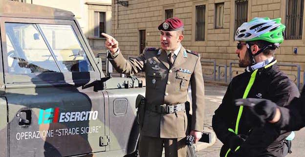 Militari della Folgore in servizio a Firenze (Foto Congedatifolgore)