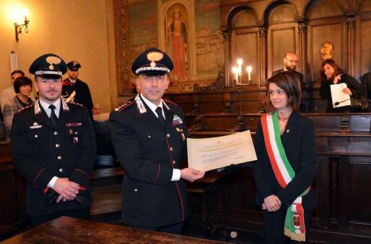 da sinistra il Capitano Maieli, il colonnello Cieri e il sindaco Basanieri