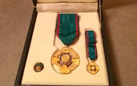 Le decorazioni per l'onorificenza di Ufficiale al merito