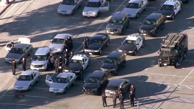 La polizia di Los Angeles sta verificando l'allarme bomba