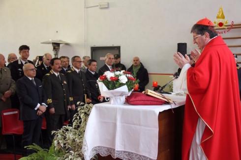 Il cardinale Betori durante la messa per Santa Barbara 2015