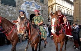 Una precedenti edizioni della Cavalcata dei Magi per le strade di Firenze