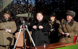 Il presidente della Corea del Nord Kim Jong-un durante un'esercitazione militare