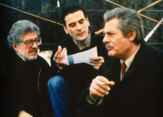 Ettore Scola, Massimo Troisi e Marcello Mastroianni sul set di «Che ora è?» del 1989