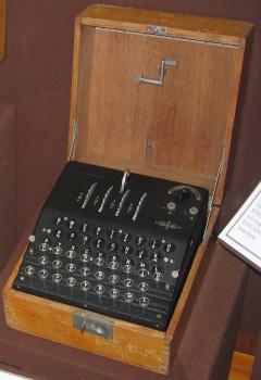 Una macchina Enigma-G (foto Austin Mills licenza CC BY-SA 3.0 tramite Wikimedia)