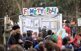 Grande festa di carnevale nel viale dei Bambini all'Isolotto