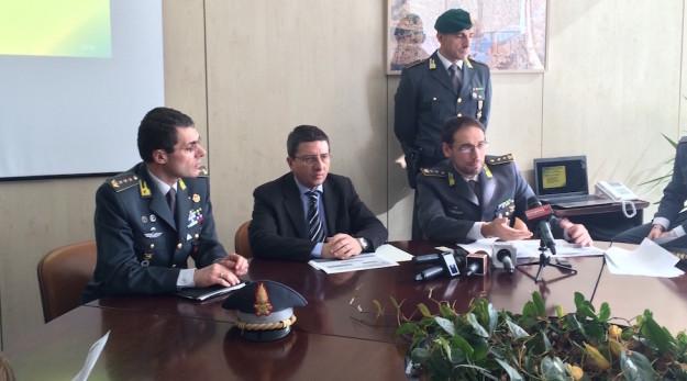 Da sinistra il colonnello Francesco Lamberti, il procuratore capo Giuseppe Creazzo e il tenente colonnello Alessio Sgamma