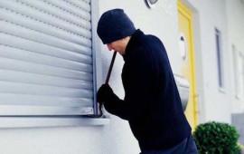 Home jacking: spesso i ladri di appartamento rubano solo le chiavi dell'auto di casa