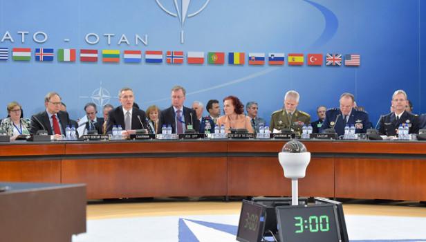 Il vertice Nato a Bruxelles del 10 febbraio 2016