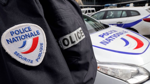 La polizia sta indagando sul caso della donna trovata cadavere