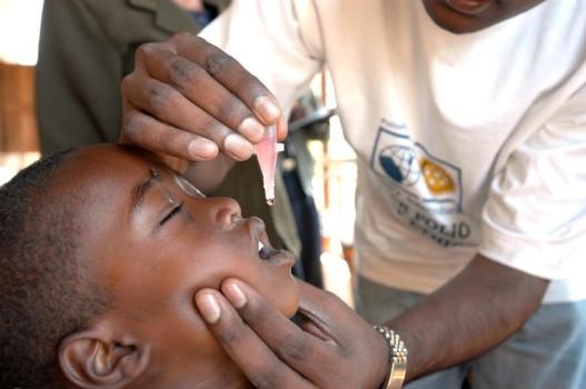 Milioni di bambini vaccinati dal Rotary nel mondo contro la polio