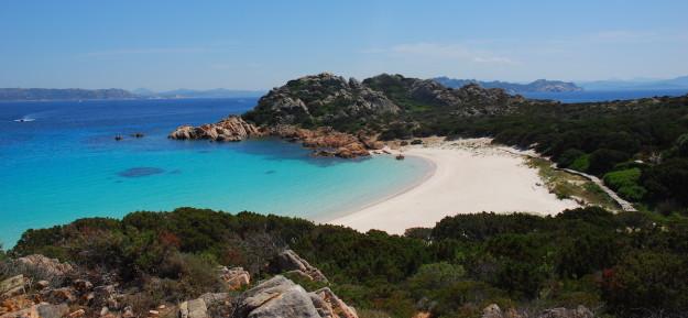 L'esclusiva spiaggia dell'isola Budelli in Sardegna