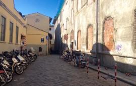 Il luogo dell'agguato in via S.Orsola nella zona del Mercato Centrale