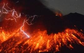 Una fase dell'eruzione del vulcano Sakurajima