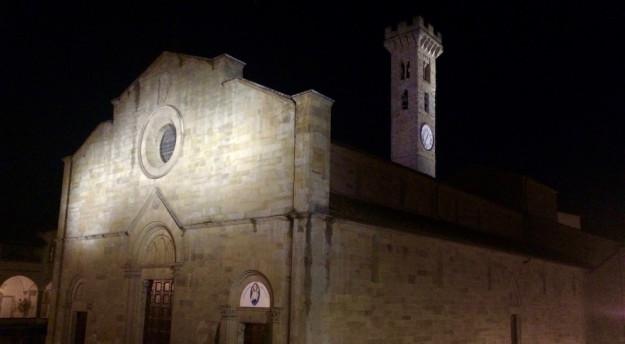 La nuova illuminazione sulla cattedrale di Fiesole