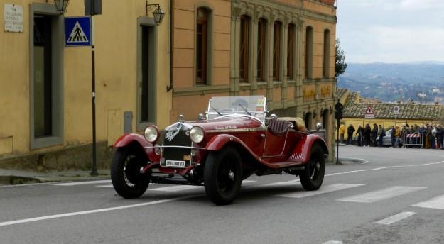 L'arrivo della Firenze Fiesole 2016 in piazza Mino