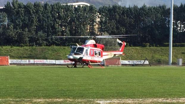 L'elicottero dei Vigili del Fuoco che ha recuperato le due vittime a Reggello