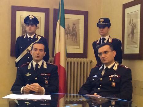 Il tenente colonnello Spoto (a sin) e il maggiore Rosciano del Reparto Operativo di Firenze
