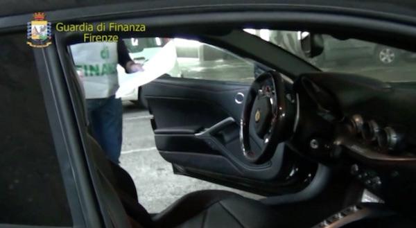 La Ferrari sequestrata dalla Finanza