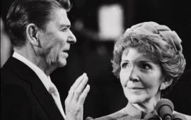 Ronald e Nancy Reagan al giuramento da Presidente degli Stati Uniti