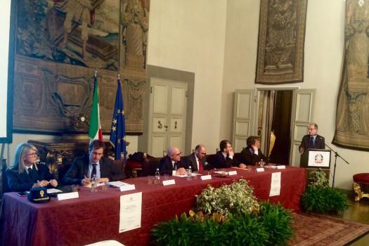 """Il convegno """"Viva i social, abbasso i social"""" alla Prefettura di Firenze"""