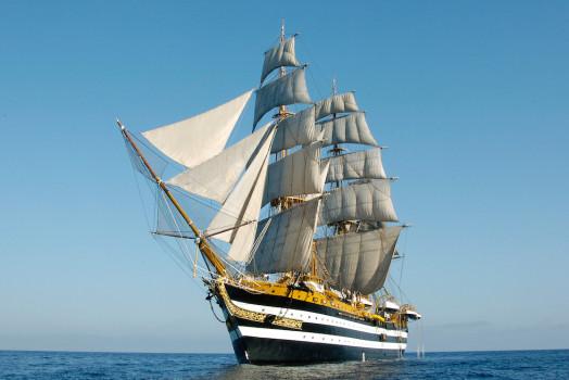 Nave Vespucci torna in mare dopo oltre 2 anni