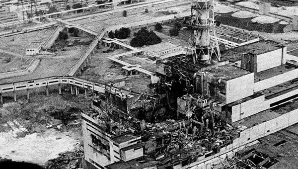 La centrale nucleare di Chernobyl dopo l'esplosione del reattore 4