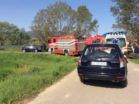 I soccorritori sul luogo del ritrovamento del corpo a Figline Valdarno (foto ValdarnoPost)