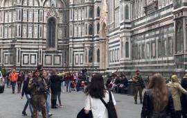 Parà della Folgore pattugliano la zona intorno al Duomo di Firenze