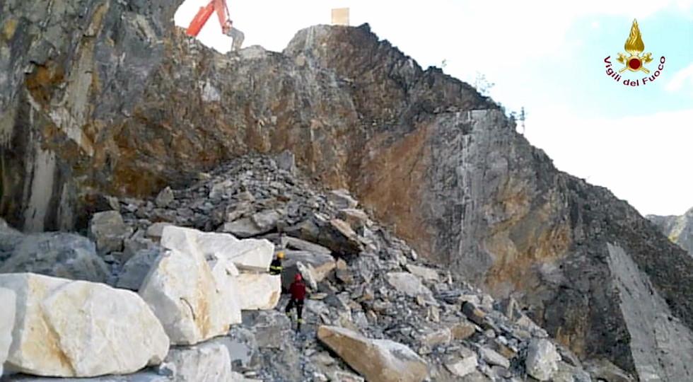 La cava di marmo franata a Colonnata