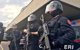 Un team di Carabinieri Sos all'aeroporto di Orio al Serio