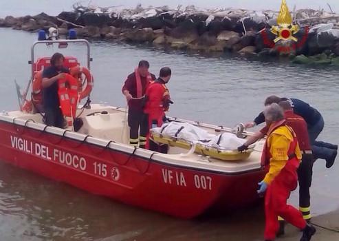 I Vigili del Fuoco di Pisa hanno recuperato il cadavere