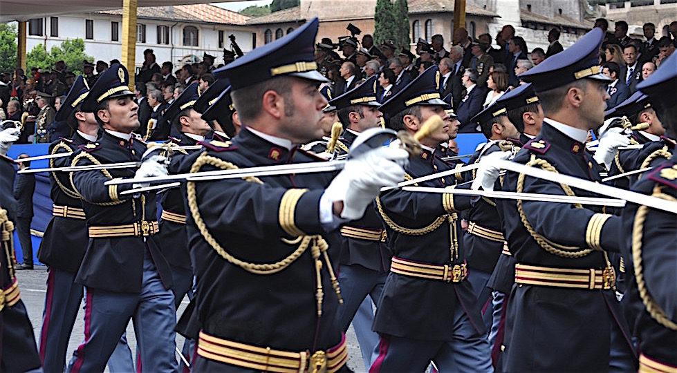 Allievi Funzionari della Polizia di Stato alla parata militare del 2 giugno 2016