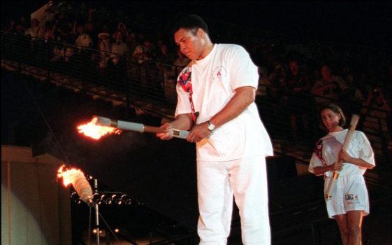 Cassius Clay accende la torcia alle Olimpiadi Atlanta 1996