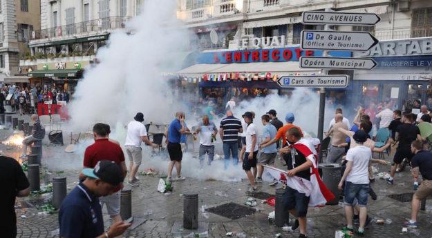 Euro 2016 scontri a Marsiglia