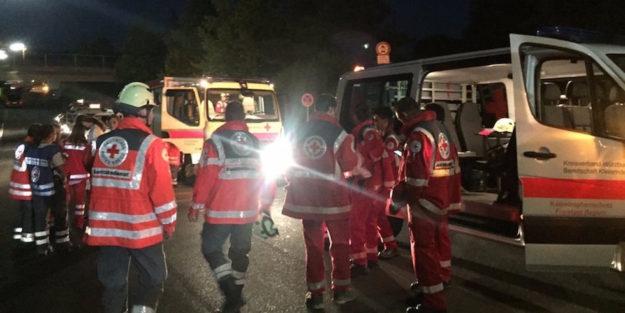 Mezzi di soccorso dopo l'attentato di Ansbach in Germania