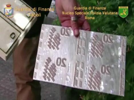 Gli stampi che servivano per la produzione delle banconote false