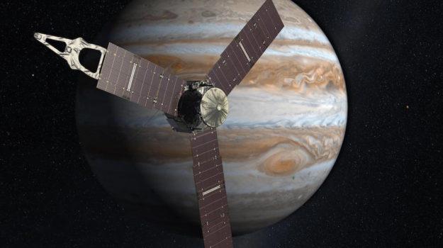 La sonda spaziale Juno in una ricostruzione grafica davanti a Giove