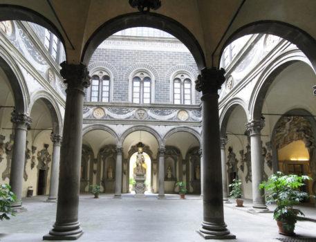 Il cortile di Michelozzo dentro Palazzo Medici Riccardi  a Firenze