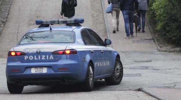 Una volante del 113 (Foto Lazzeroni, concessa da Questura Siena)