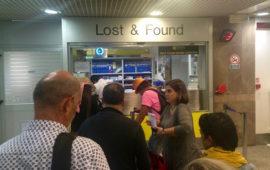 Code all'ufficio bagagli smarriti all'Aeroporto Vespucci di Firenze