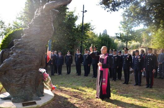 La cerimonia davanti al monumento a Salvo D'Acquisto