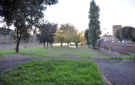 Il parco '19° Reggimento Artiglieria' sulle rive dell'Arno