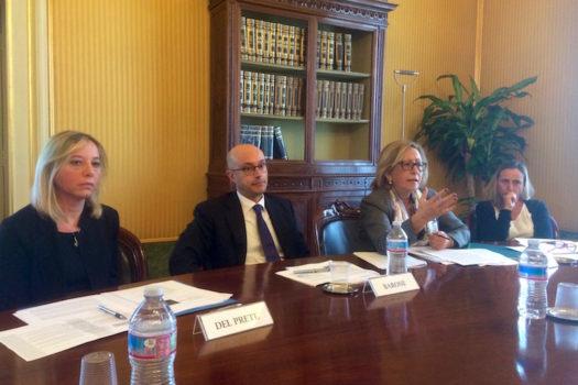 Luisa Zappone (2ª da destra) direttore della Banca d'Italia di Firenze