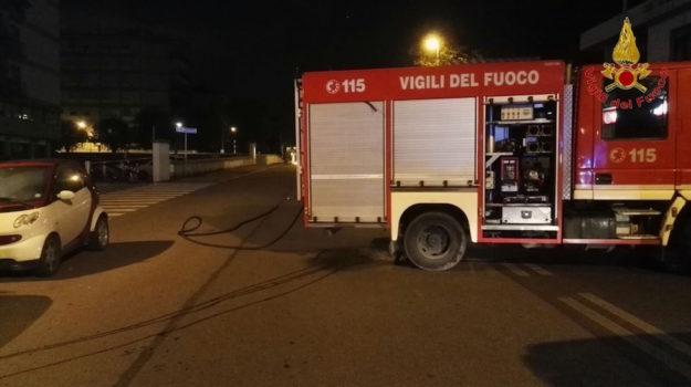 Vigili del Fuoco in piazza Puccini deserta