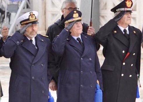 Da sin. l'ex capo della Marina ammiraglio De Giorgi, l'ex capo dell'Aeronautica generale Preziosa, il comandante generale dei Carabinieri Del Sette
