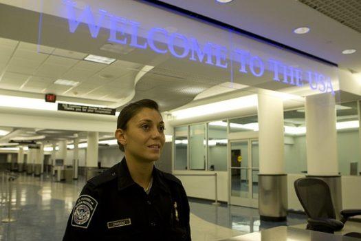 I controlli di sicurezza per entrare negli Usa passano anche attraverso i social network