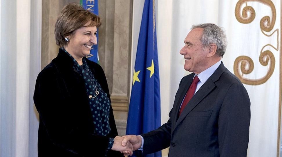 Il presidente del Senato Pietro Grasso si congratula con la nuova vice presidente Rosa Maria Di Giorgi