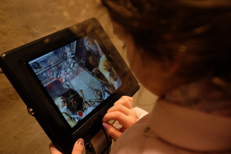 Il tablet di Autography sulla Cupola del Duomo dove poter lasciare un messaggio